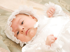 Baby Im Taufkleid